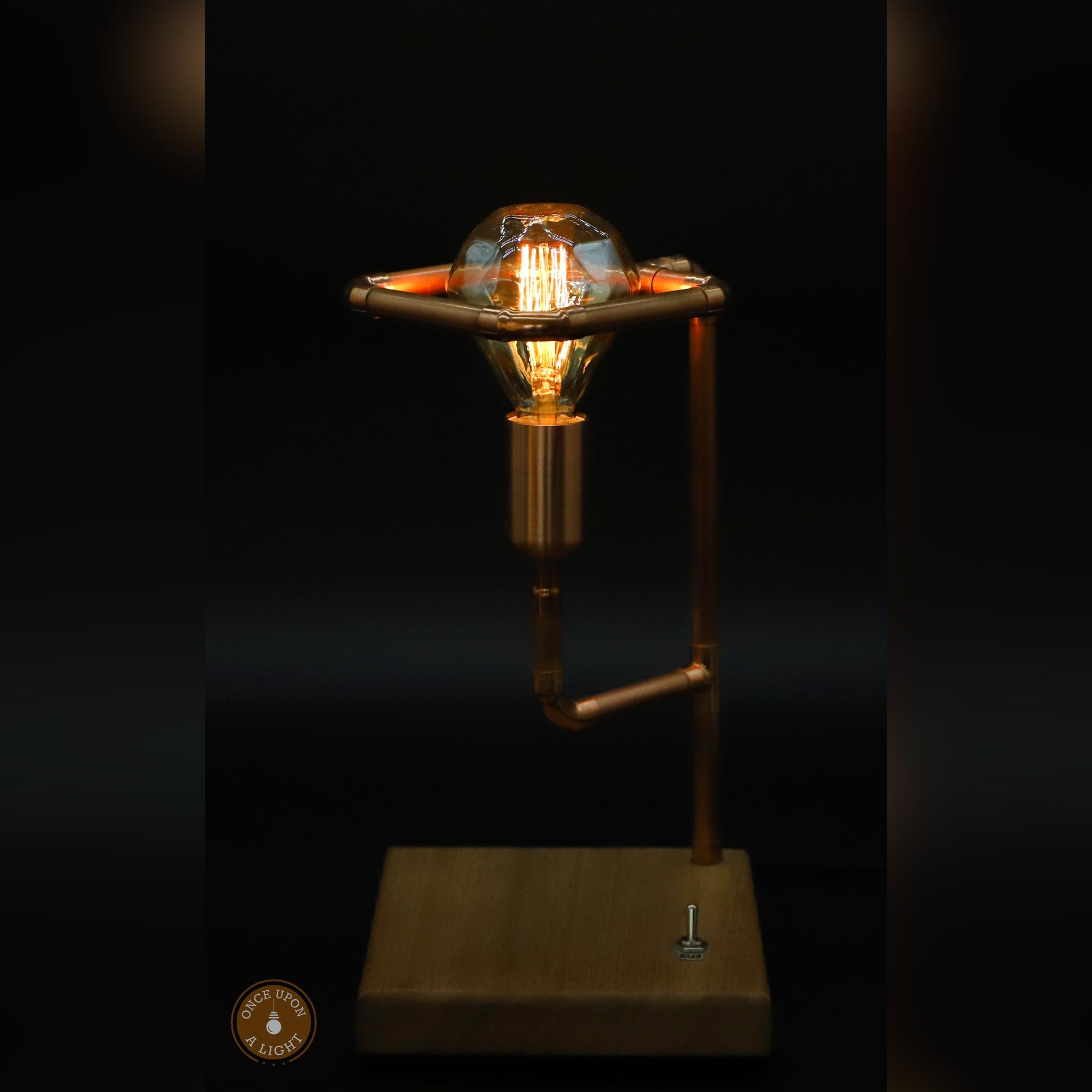 Lampe de chevet design vintage bois et cuivre