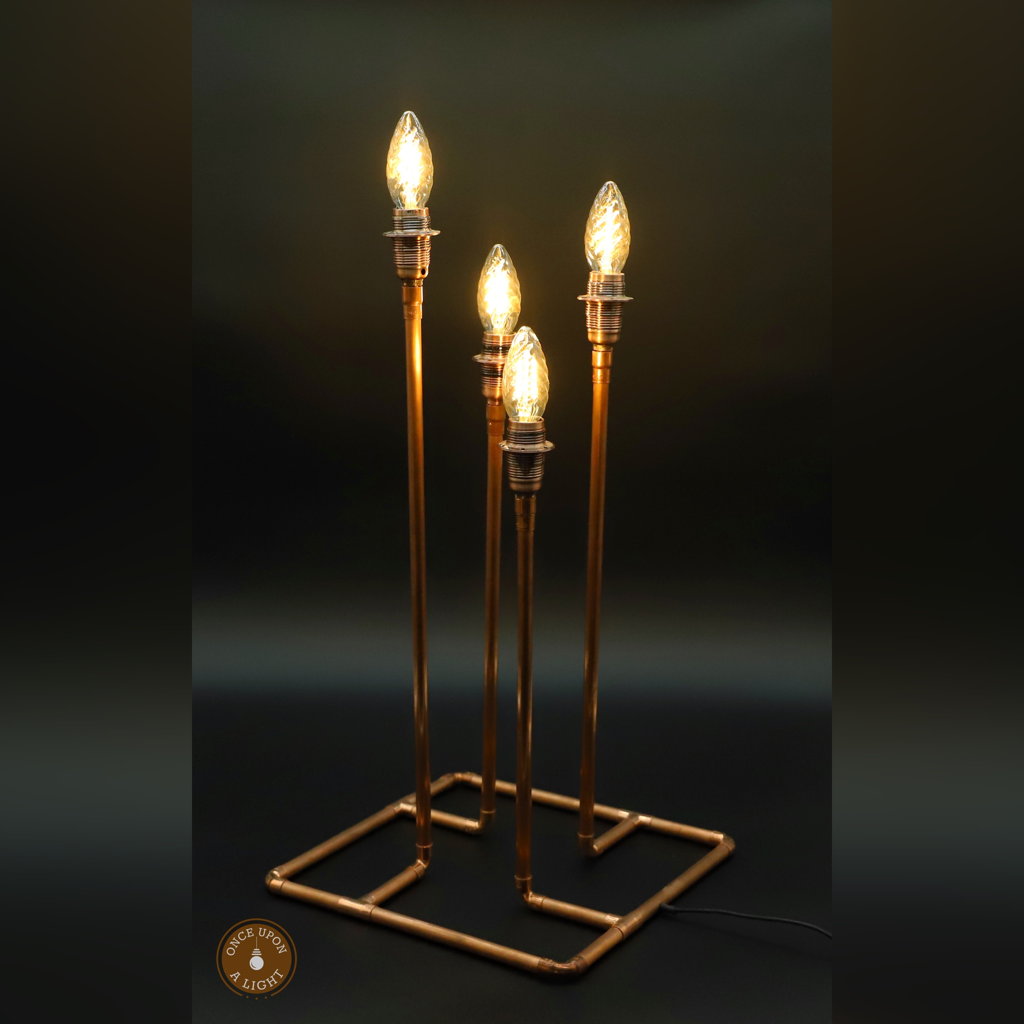 Lampe de table en cuivre facon chandelier