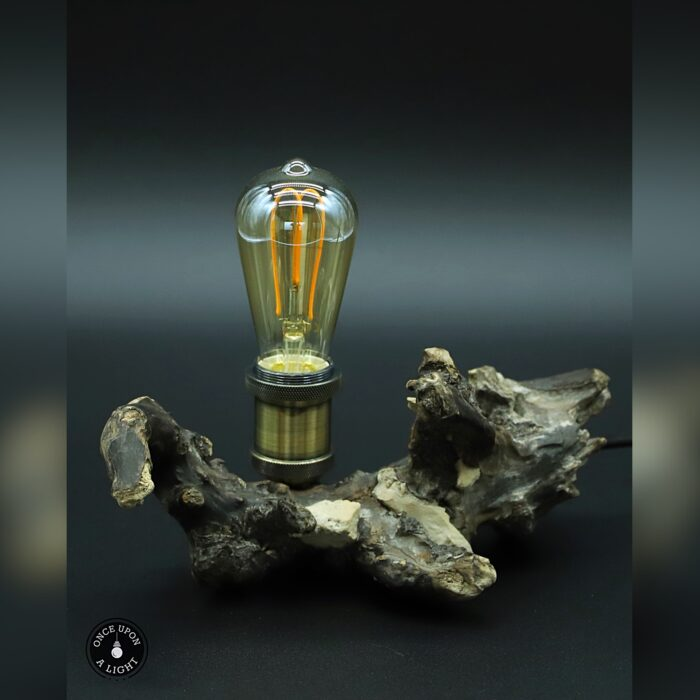 Lampe de chevet led en bois flotté